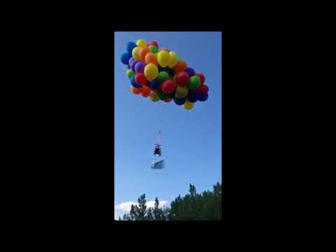 Calgary man takes off in lawn chair suspended by balloons
