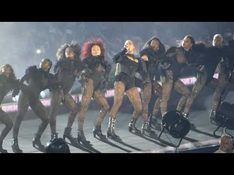 Beyoncé - Formation / Sorry  - Düsseldorf 12-July-2016
