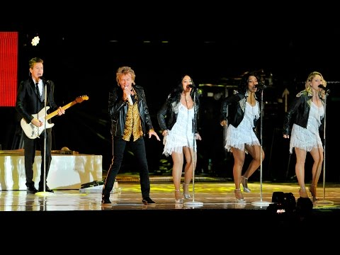 Rod Stewart - Love Is (Radio 2 Live in Hyde Park 2015)