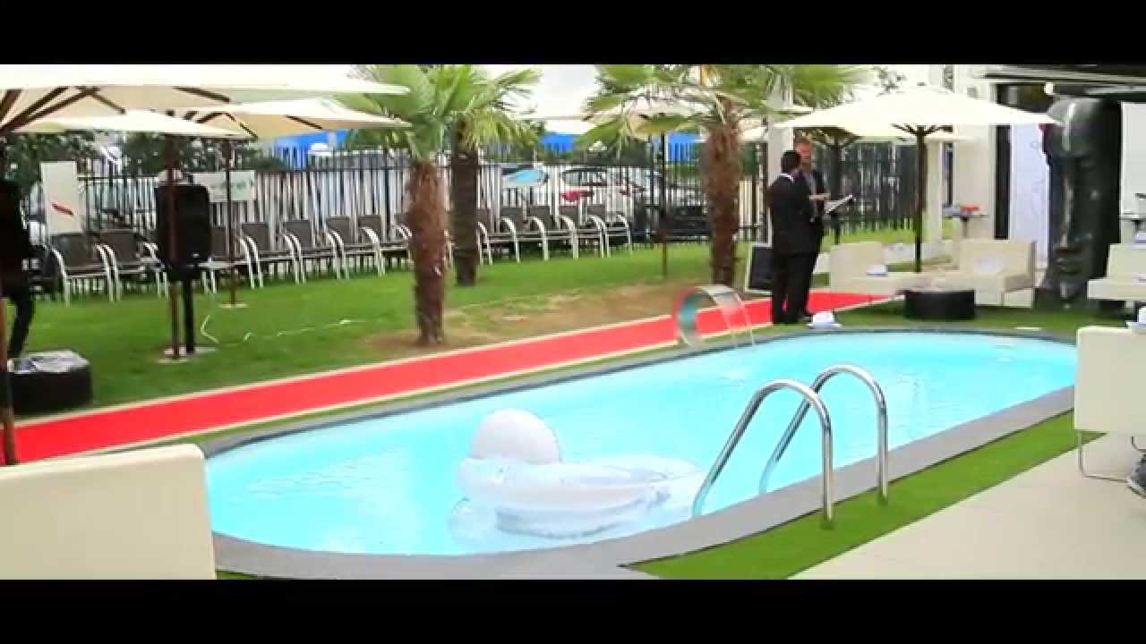Video volet roulant piscine hors sol for Volet roulant piscine hors sol mobile