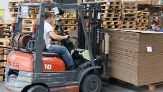 Погрузка продукции(http://yugkarton.com.ua Юг картон, югкартон, картонный завод, картонные коробки, гофрокартон, гофротара, гофрокороба,..., 2013-09-11T21:29:45.000Z)