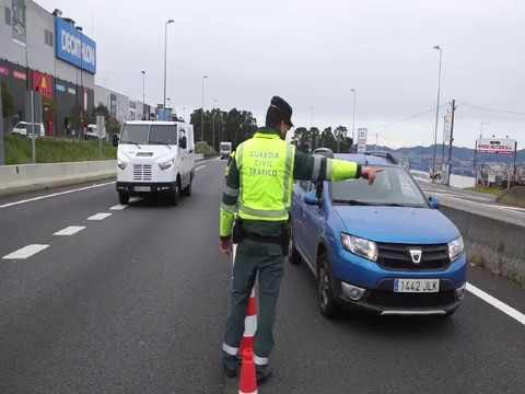 Control de la Guardia Civil en la salida de Vigo