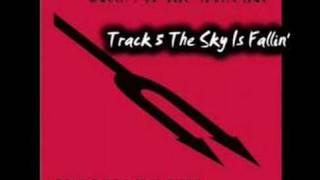 Queens of the Stone Age - The Sky Is Fallin