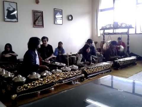 Irmael Pianist-Gundul-Gundul Pacul (Karawitan Sunda)