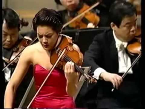 Anne Akiko Meyers Performs Lalo's Symphonie Espagnole w NHK Symphony