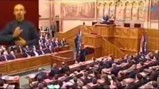 sólyom szapulja a Jobbikot és magasztalja az lmp t 2010 05
