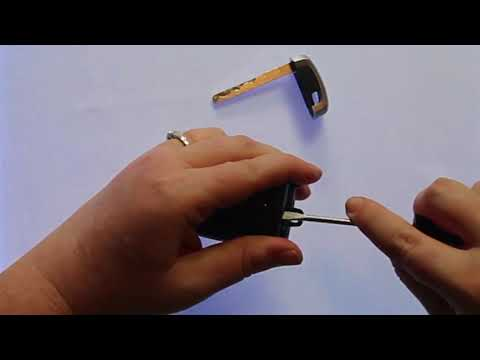 How To Replace A 2017 - 2019 Ford Edge Key Fob Battery Part Number HS7T-15K601-BC