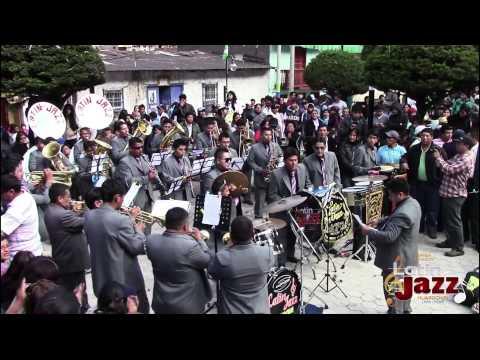 Banda Orquesta Latin Jazz Huarochiri _Presentación En San Mateo De Huanchor Huarochiri 2014