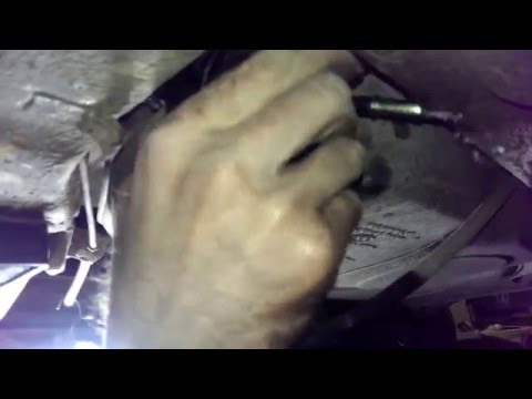Замена топливного фильтра Лада Гранта.
