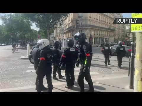 Paris : des affrontements lors des rassemblements contre de nouvelles restrictions anti-Covid