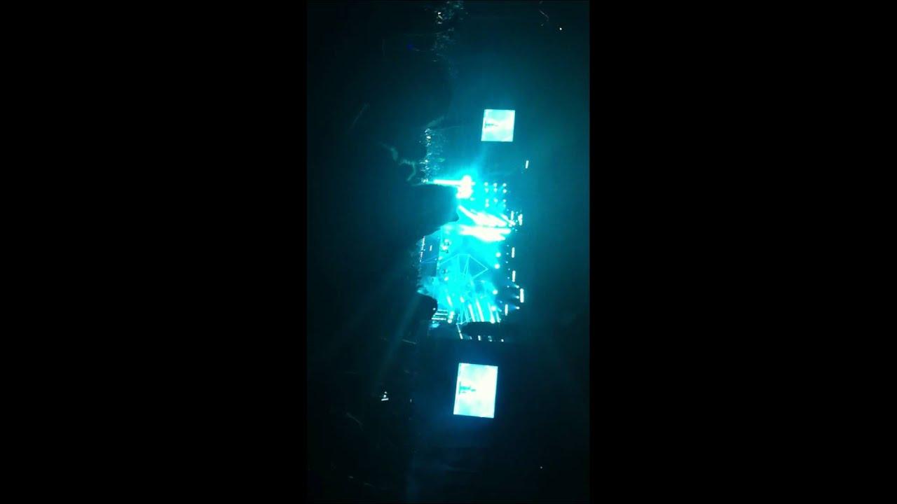 David Guetta far away - YouTube