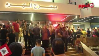 بالفيديو والصور| توافد الجماهير أمام مسرح الهرم لمشاهدة