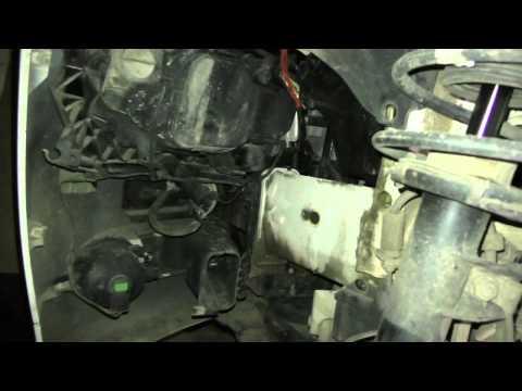 Как заменить штатную лампу передних габаритовангельские глазки на BMW 320 E90