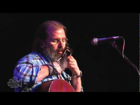 Steve Earle - Crowd call for encore/Monologue 1 (Live in Sydney) | Moshcam