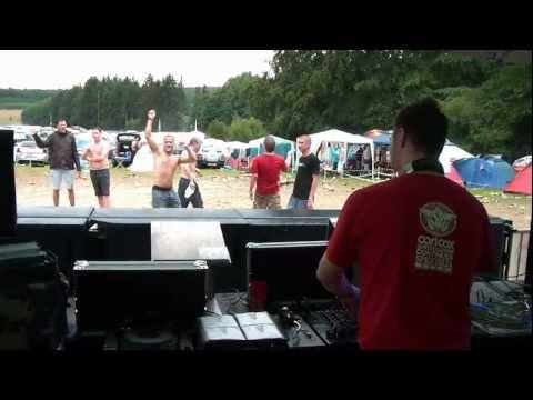 DJ LizarD - Live at Nature One USB-Camp 2011 incl. Schlamm Schlacht [HD]