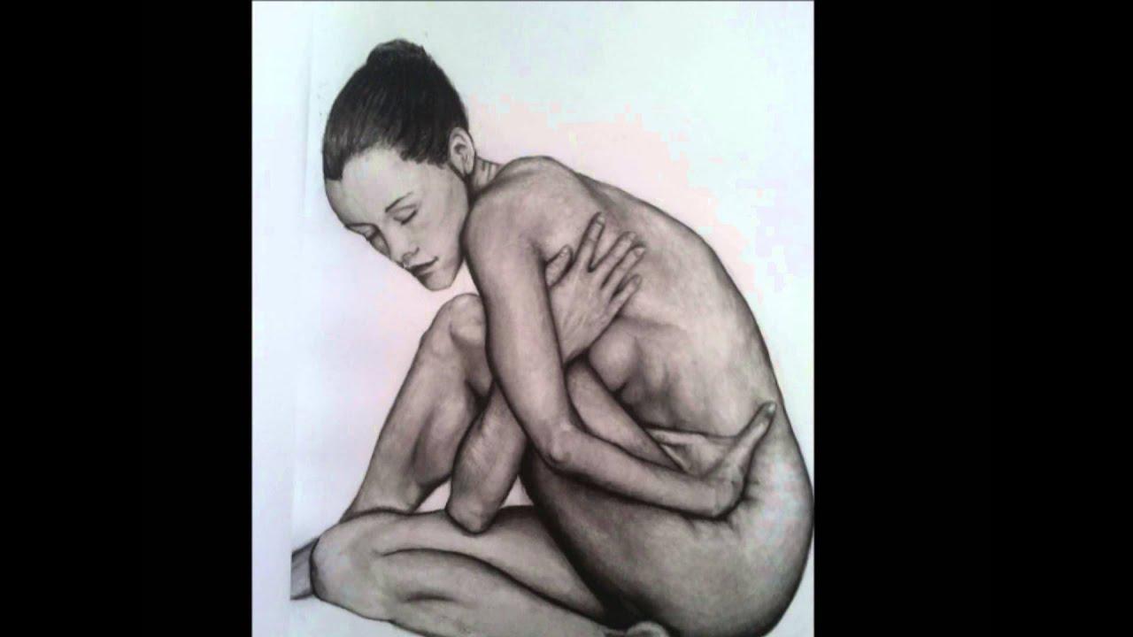 Desenho com lápis de carvão corpo feminino drawing with charcoal pencil female figure