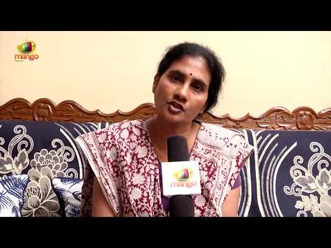 Social Activist  Devi Demands Action Against TRS Youth Wing Leader Srinivas Reddy | Mango News