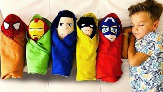 Марк стал Няней и играет в детский сад с детьми супергероев