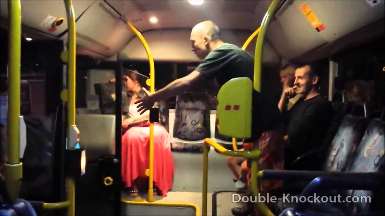 азиаты трахают девочек вавтобусе и метро