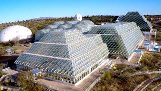 Их на 2 года закрыли под стеклянным куполом. Биосфера 2 - крупнейшая из искусственных экосистем.
