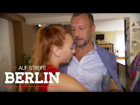 Verbotene Liebe: Mädchen (15) ist in Pflegevater verliebt   Auf Streife - Berlin   SAT.1 TV