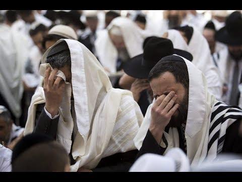 ¿Por Qué Los Judíos Se Balancean Cuando Rezan?