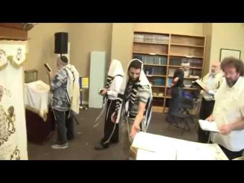 Rare peek inside orthodox Jewish prayer group- Carlebach Happy Minyan w/ Moshav, Moshe, & Jeff