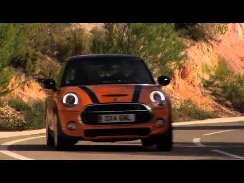 The new MINI Driving Review | AutoMotoTV