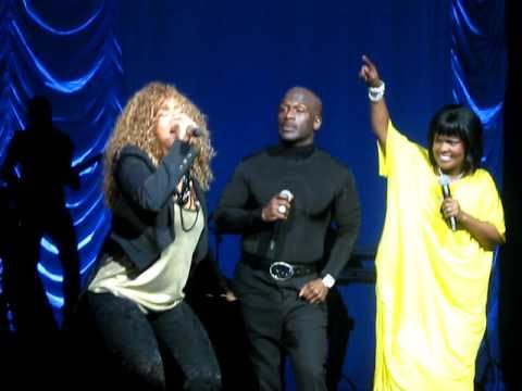 """BeBe & CeCe Winans And Mary Mary: """"Get Up"""" - Theater At MSG 4/9/11"""