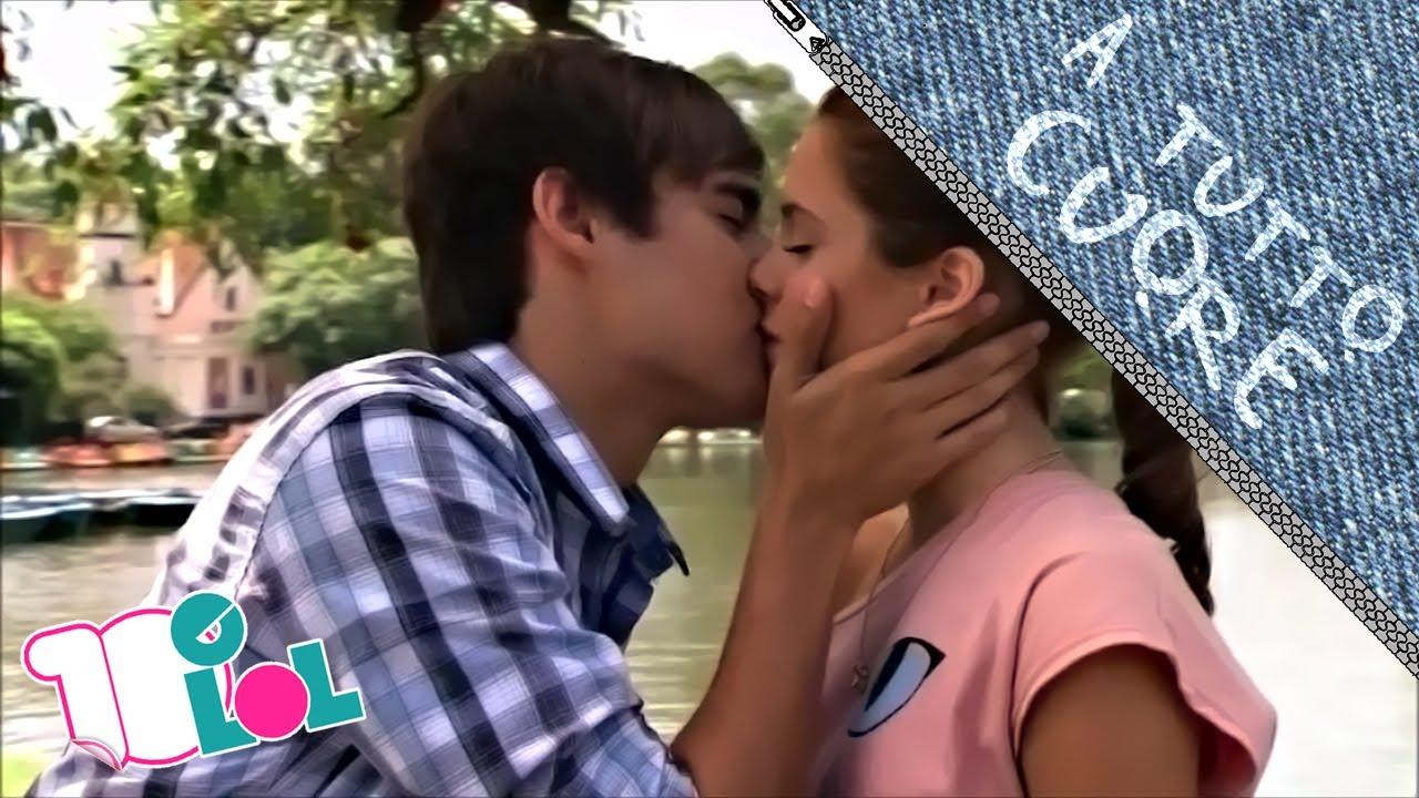 Bacio lingua yahoo dating