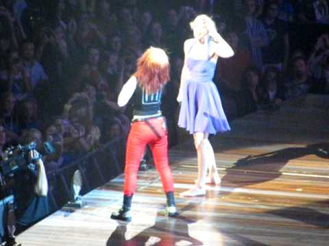 Taylor Swift and Hayley Williams/Paramore