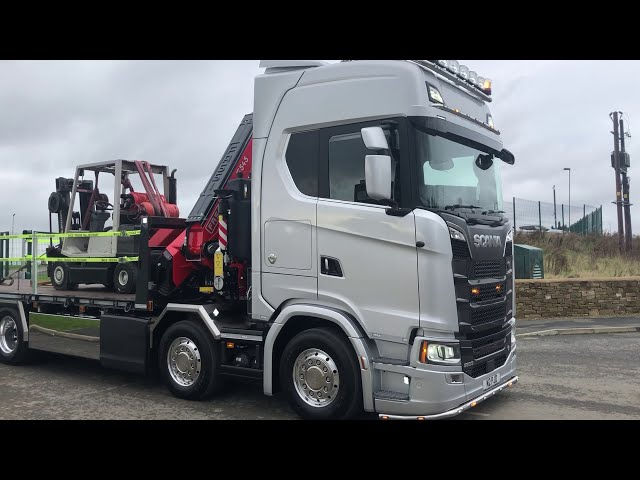SCANIA V8 FLATBED WITH FASSI F545.RA.2.26