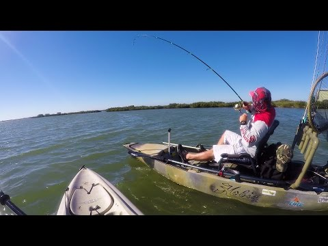Two Idiot Fishermen Do Everything Wrong - With Texas Redfish Hunter