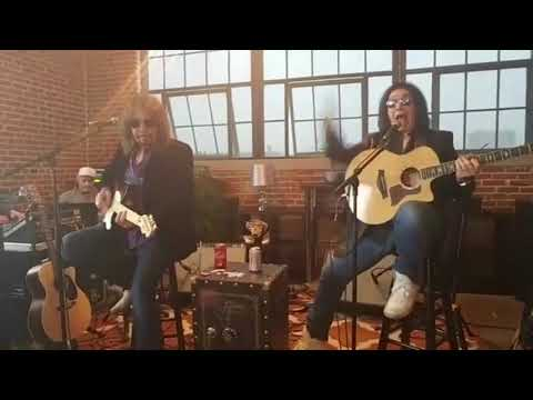 Gene Simmons & Ace Frehley  St Louis Vault Experience