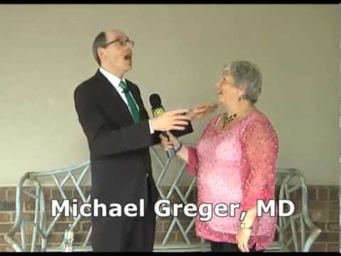 "Dr. Michael Greger Presents ""How Not To Die"" to the ""Eat Smart, Live Longer"" Club of SCHH"