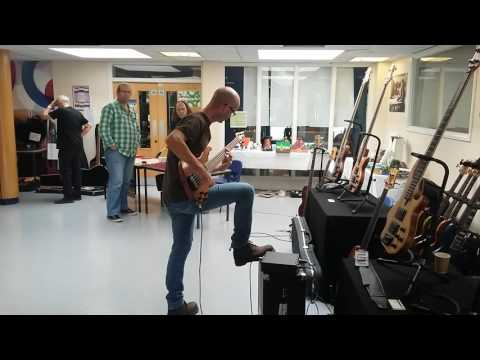 Paul Herman playing a Wal Mk3 five string at the Basschat South East Bass Bash 2016
