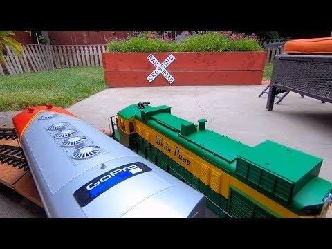 One Full Hour Of Kid-Friendly Model Trains!