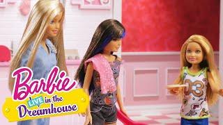 A Sonhar com uma Pequena Casa de Sonho | Barbie LIVE! In The Dreamhouse | Barbie