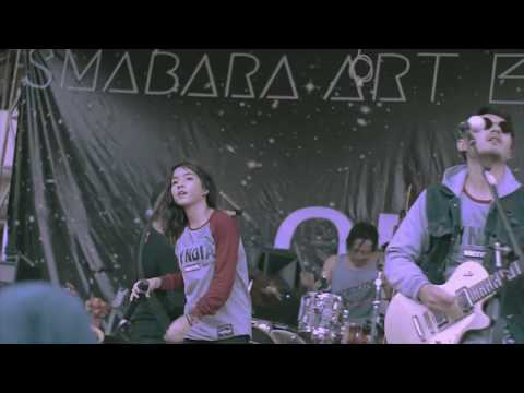 SHEILA ON 7 - Melompat Lebih Tinggi ( Hyndia Cover ) Live at SMABARA Art Exhibition 2017