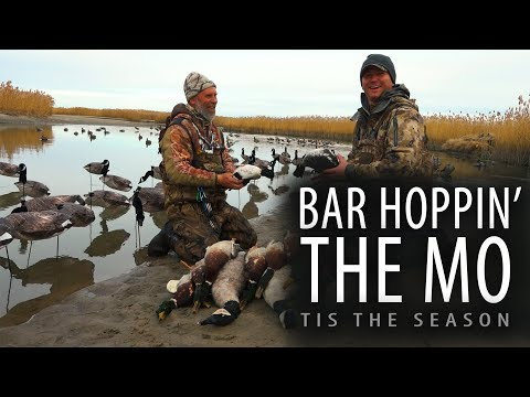 Giant Windsock Decoy Spreads | Bar Hoppin The MO | Tis The Season