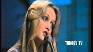TWIGGY - AT SEVENTEEN (1975)