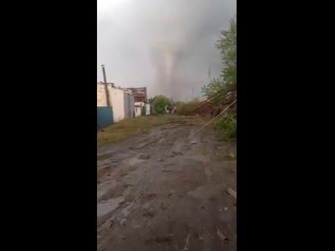 Смерч в Ростовской области разрушил поселок
