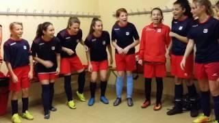 La victoire se fête en chantant.. Football Féminin