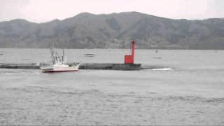 大津波襲来直前の漁港 「ああ、船が・・・だめだ、逃げよう!!」 thumbnail