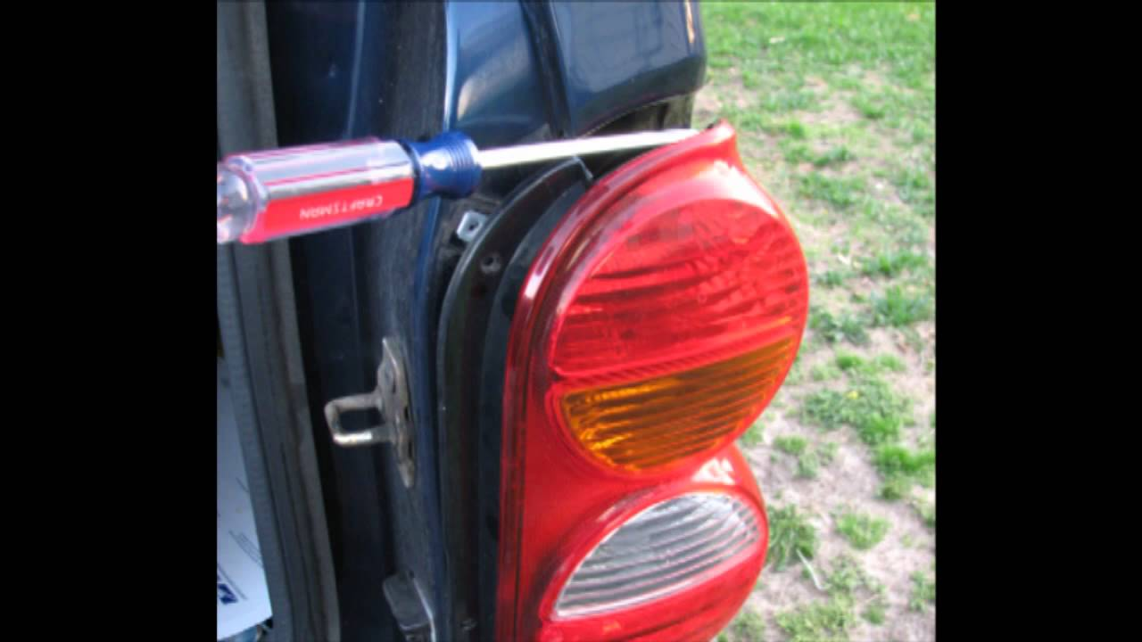 Jeep Liberty change stop turn and tail bulbs  YouTube