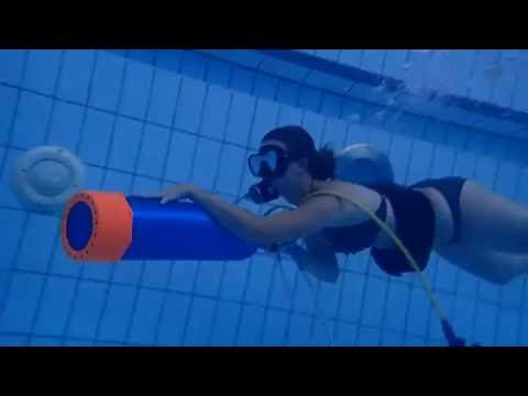 10012016 Watermanship practice-Swimming with holding a tank linked regulator set only(Elise)