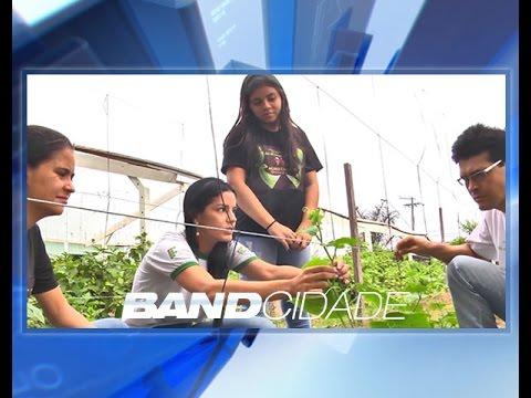 Estudantes criam horta para desenvolver técnicas mais sustentáveis