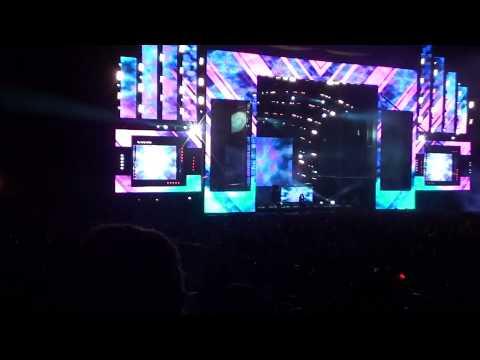 Above & Beyond - Anjunabeach (Nitrous Oxide Remix) @ E.D.C. 2010 Los Angeles [HD]