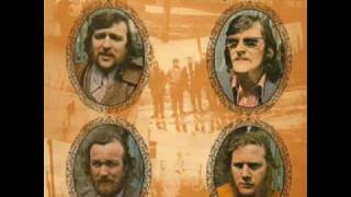 The Wolfe Tones - Come Out Ye Black & Tans