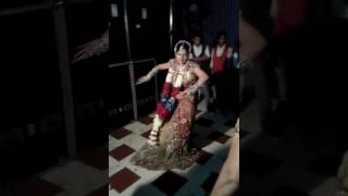 Indian dulhan dance on marriage | Must watch and you feel happy |